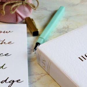 biblical homemaking bible and notebook